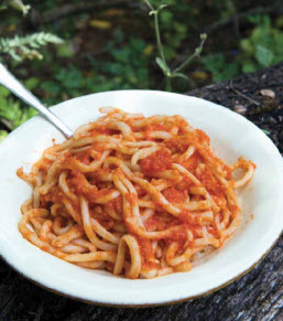 Cucina Povera's Pasta with Garlic Tomato Sauce